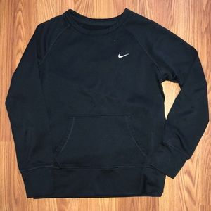 Nike crewneck with a front pocket